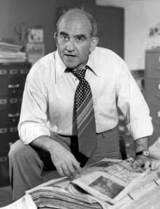 (Photo of Ed Asner as Lou Grant from the premiere of the television program Lou Grant)